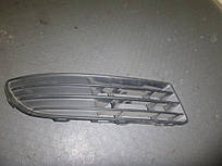 Решетка бампера правая Volkswagen Polo IV 01-09 (Фольксваген Поло 4), 6Q0853666F