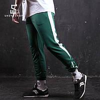 Спортивные штаны Rocky (зелёные с белой вставкой)