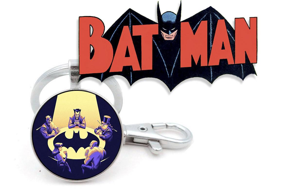 Брелок враги Бэтмена за столом Batman DC комиксы