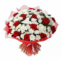 Роза 15 красная в букете + 10 белых хризантем