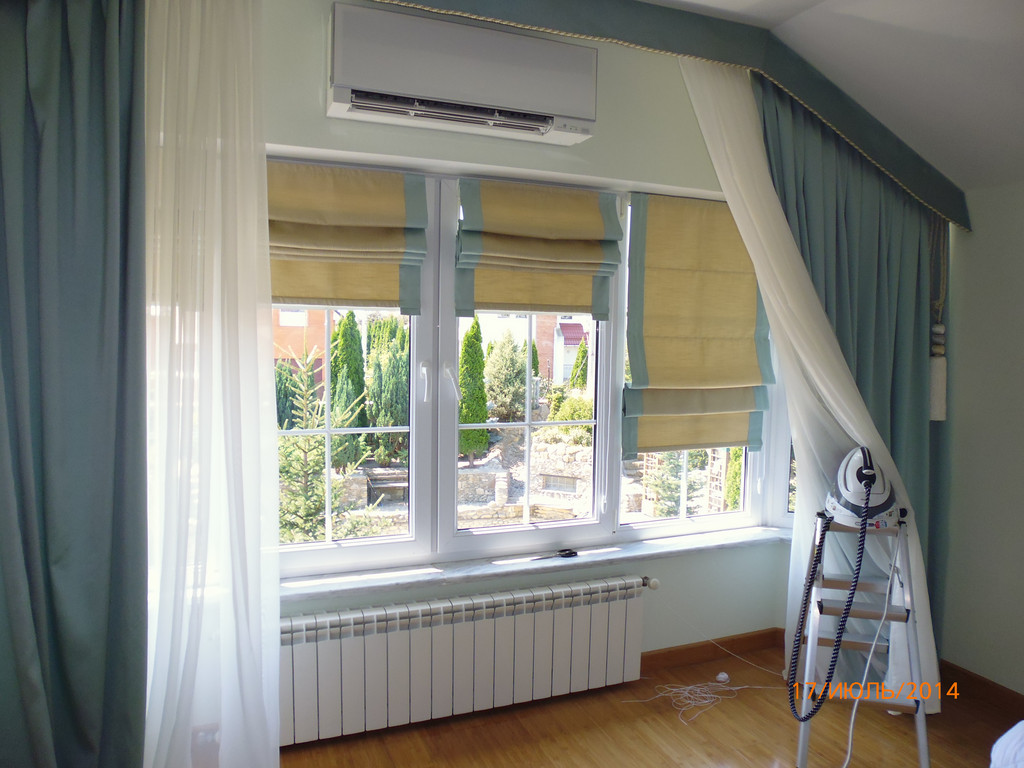 Римская штора с кантом в цвет штор. Софиевская Борщаговка