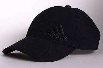 Спортивная кепка Adidas черного цвета