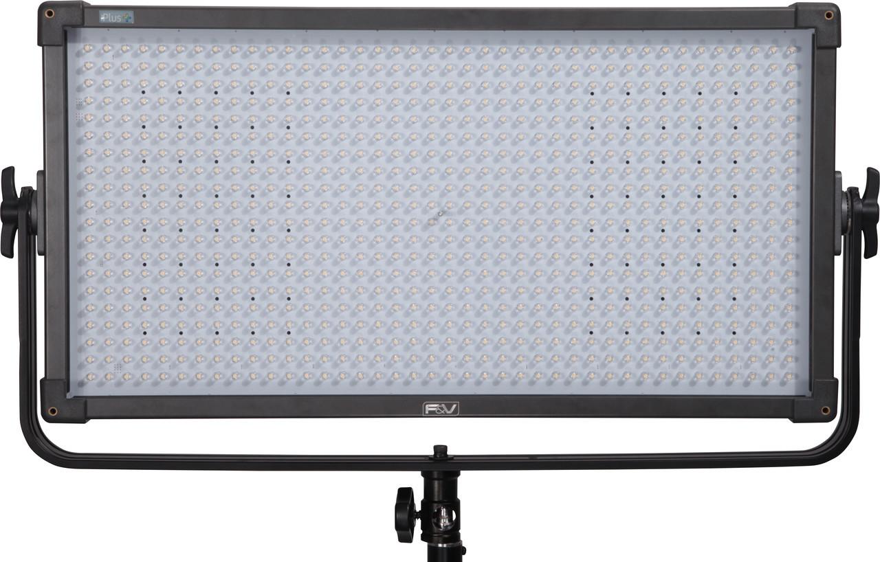 Набор постоянного студийного света 2 x LED F&V K8000 Plus (набор) (K8000 Plus)