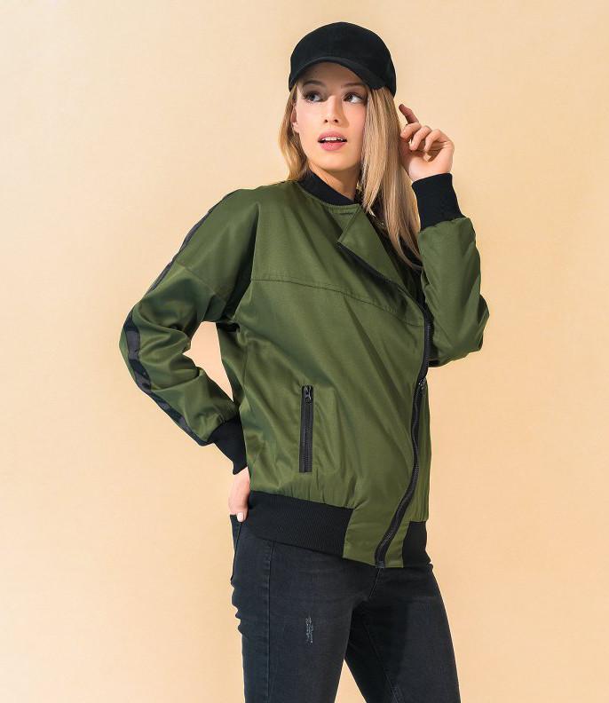 Женская куртка цвета хаки на молнии. Модель 17769. Размеры 42-50