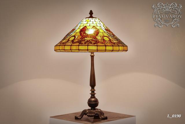 Настольная лампа в стиле Тиффани