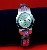 """Женские наручные часы-браслет на широком кожаном ремешке """"Довер"""", коричневый с розовым"""