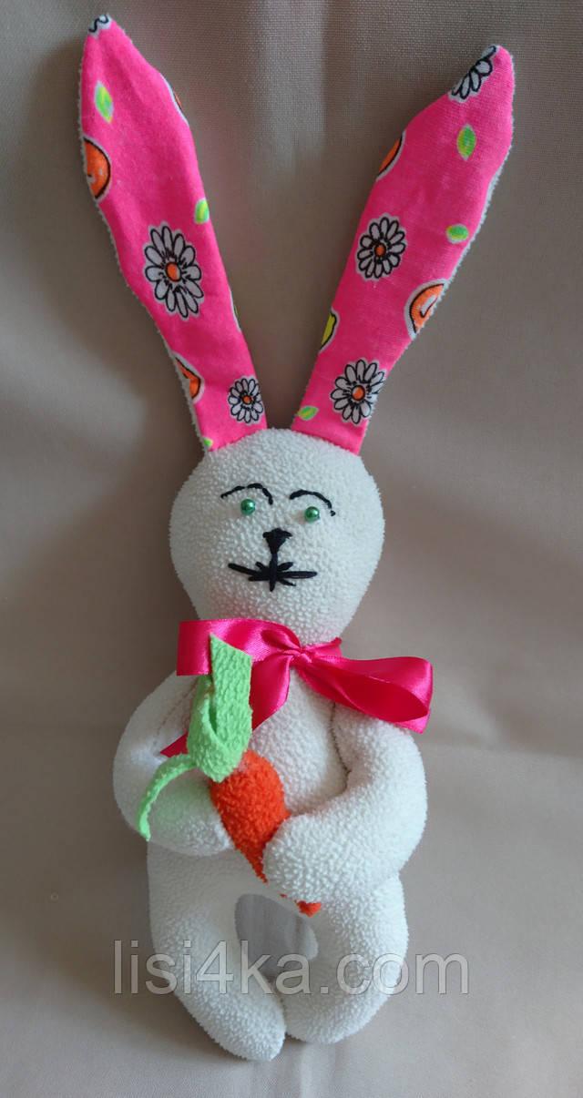 Интерьерный текстильный молочный с розовым зайчонок с морковкой