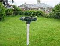 Прибор для отпугивания грызунов на солнечной батарее Solar Rodent Repeller, площадь действия - 650 кв.м.