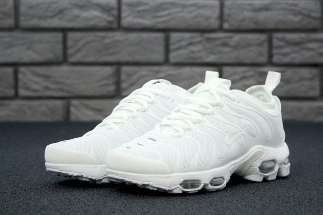 Nike Air Max TN Plus в белом цвете