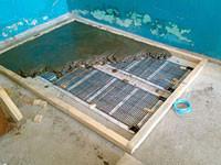 После армирования заливается цементно-песчаная стяжка толщиной 20 - 40 мм. Также, вместо стяжки, в качестве основы под укладку плитки можно применять плиты ЦСП, ГКЛ и скломагнитни письма.