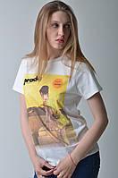 Женская белая брендовая футболка Prada