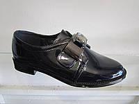 Туфли женские лаковые на низком каблуке