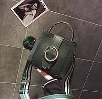Маленькая женская сумка с круглой пряжкой зеленая, фото 1