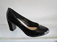 Туфли женские лаковые на каблуке