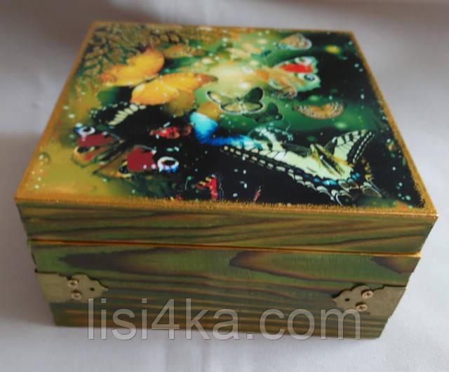 Деревянная золотисто-оливковая шкатулка с бабочками