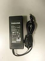 Блок живлення для ноутбука Toshibа 15V 6 A (6.3*3.0)