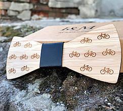 Галстук-бабочка I&M Craft из дерева с гравировкой велосипедов (011209)
