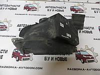 Подкрылок левый передний (задняя часть) Renault Trafic , VIVARO, PRIMASTAR (00-14) OE:8200291638