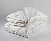 Одеяло полуторное из холлофайбера Лери Макс белого цвета