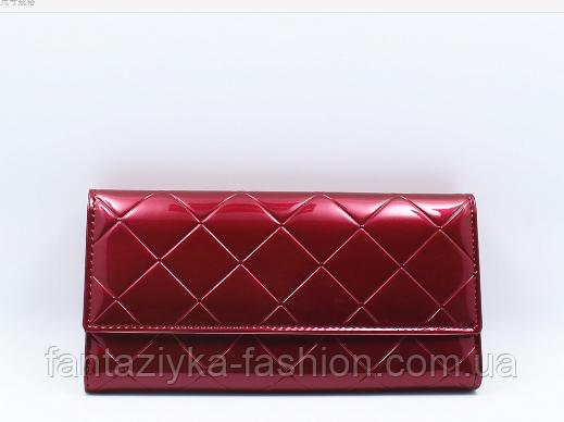 Лаковый женский кошелек темно-красный
