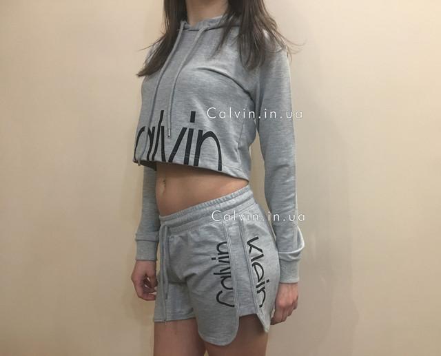 костюм Calvin Klein