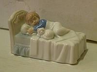 """VS-181 Фарфоровая статуэтка ребенка - композиция """"Приятных снов"""" итальянской компании Pavone 11 см длина"""
