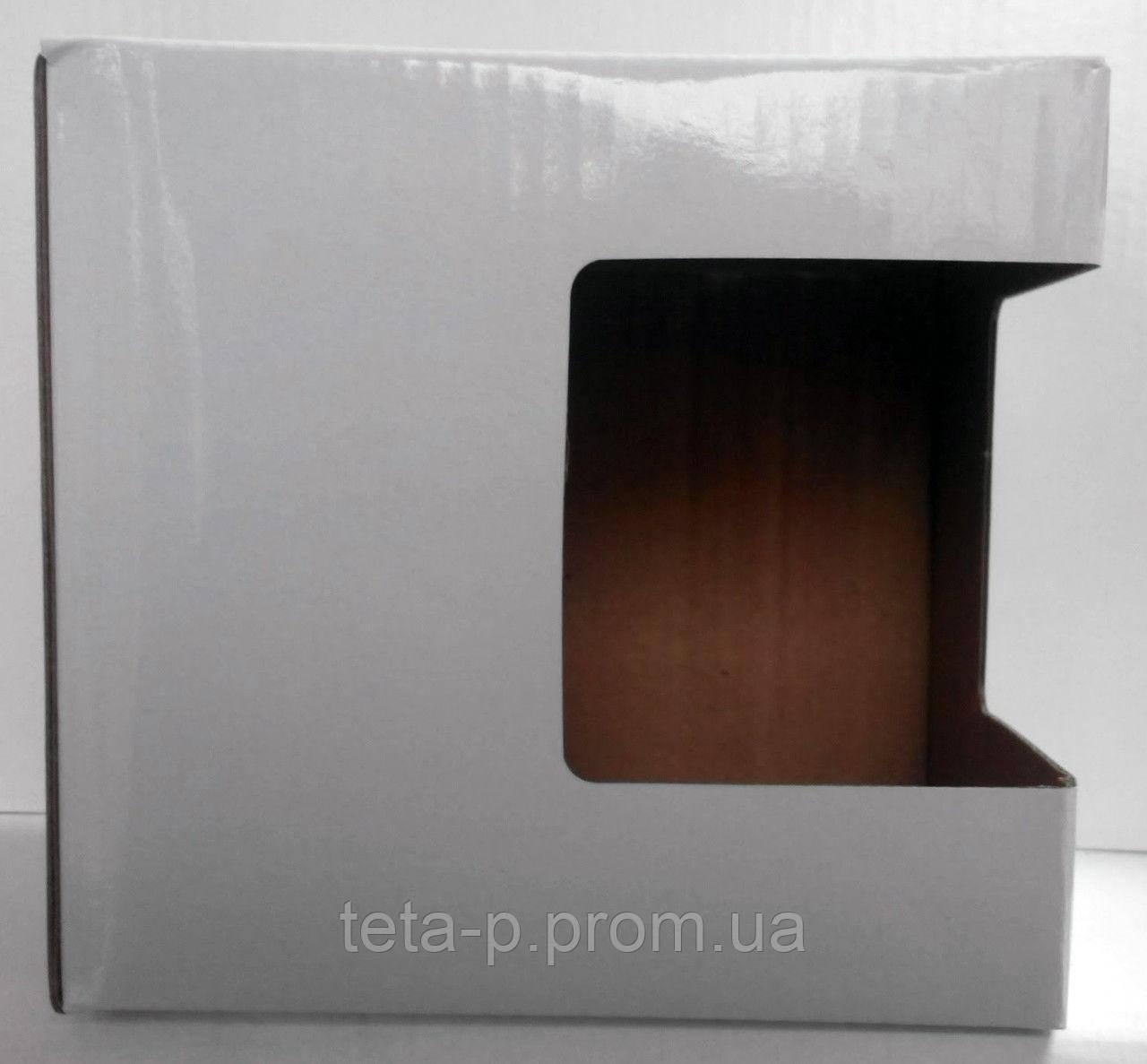 Коробка из картона с окошком