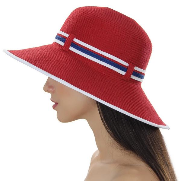 Женская шляпа с полями украшена двухцветной лентой цвет красный