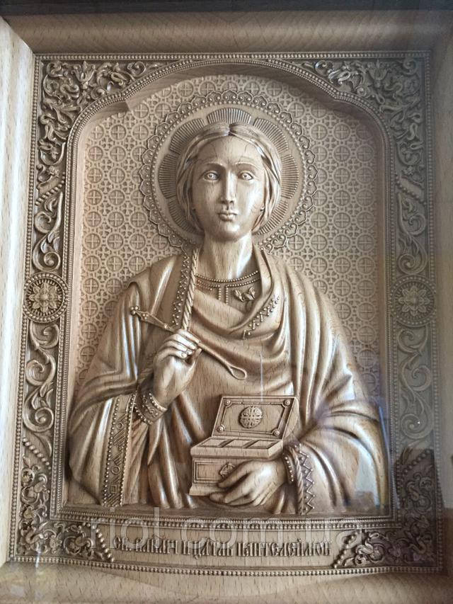 икона резная из дерева св Пантелеймона