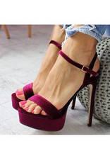 Шикарные босоножки на каблуке. босоножки бархат