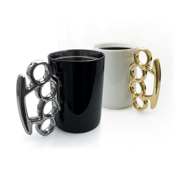 Чашка с кастетом (белая)