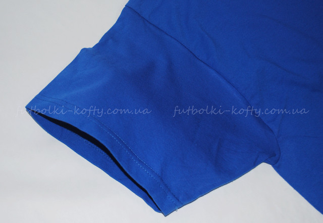 Ярко-синяя мужская футболка плотная мягкая
