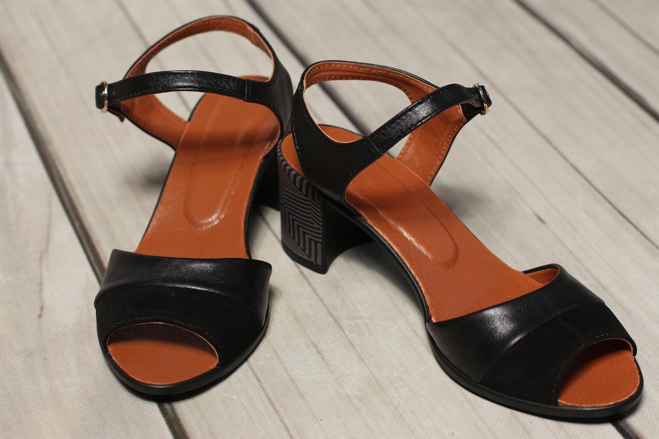 Жіночі шкіряні босоніжки TIFFANY на підборах оптом