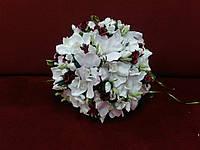Свадебный букет-дублер из орхидей белый с бордовым