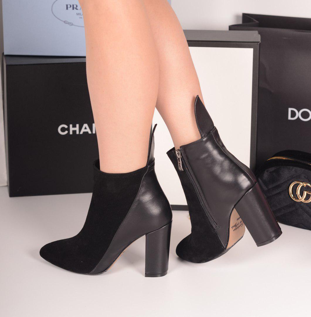 Ботинки лепесток на каблуке черные. Натуральная кожа и замш