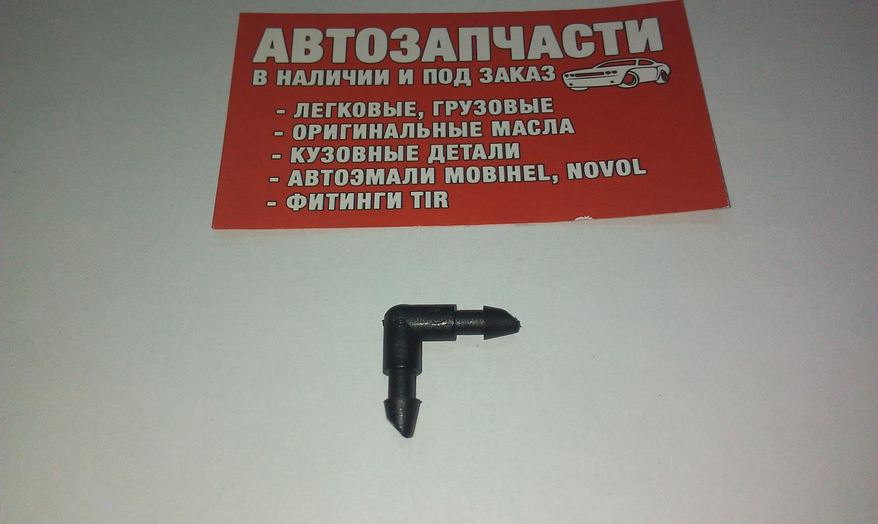 Угольник под шланг Д=4 пластиковый пр-во Турция