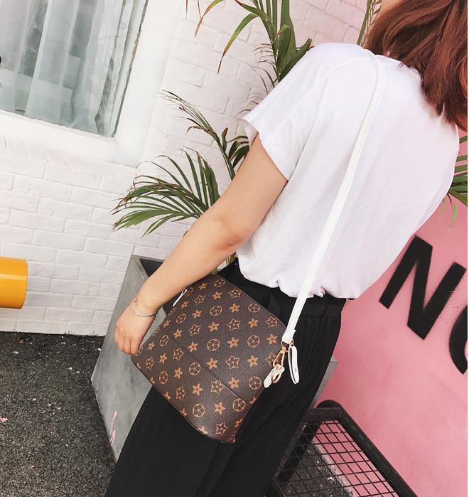 Женская маленькая сумочка Луи Витон