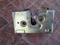 Замок двері задньої правої 357839016D VW Passat B4 1993-1996 B3
