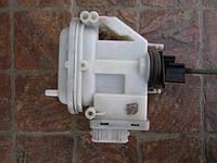 Привід активатор центрального замка задніх дверей лівої правою 357862153H VW Passat B4 1993-1996 B3