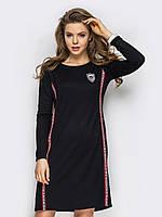 Молодежное спортивное платье из трикотажа с нашивками 90267