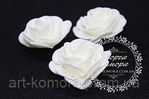 Головка розы латексная молочная с круглыми лепестками, 4-4,5 см