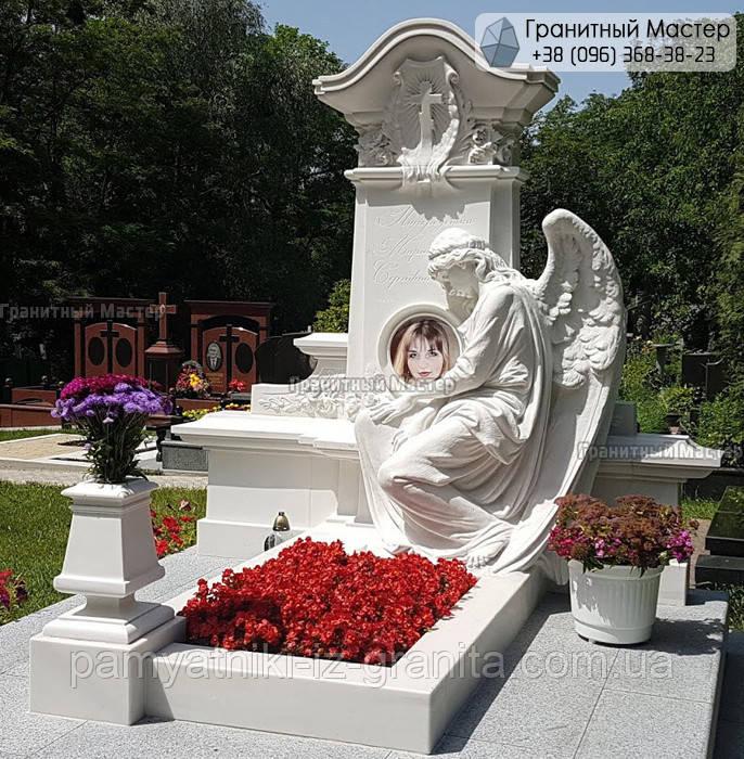 Памятник из мрамора № 24