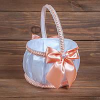 Свадебная корзинка для лепестков в персиковых тонах