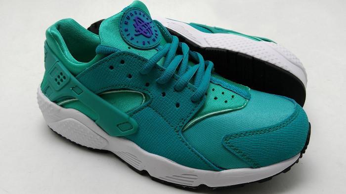Женские кроссовки Nike Air Huarache