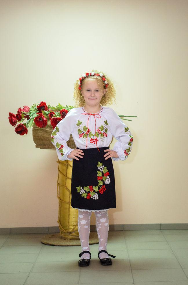 Вышиванка детская Волинські візерунки Красная калина 134 см белая