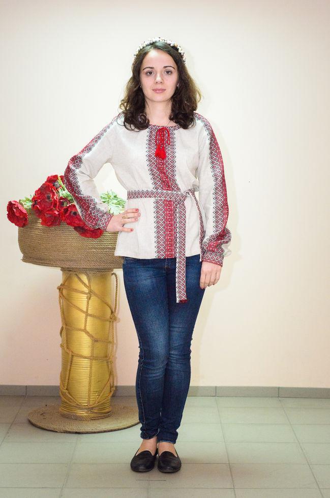 Вышиванка женская Волинські візерунки  тканая красная на длинный рукав 42р.бежевая
