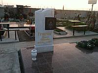 Памятник из белого мрамора 4
