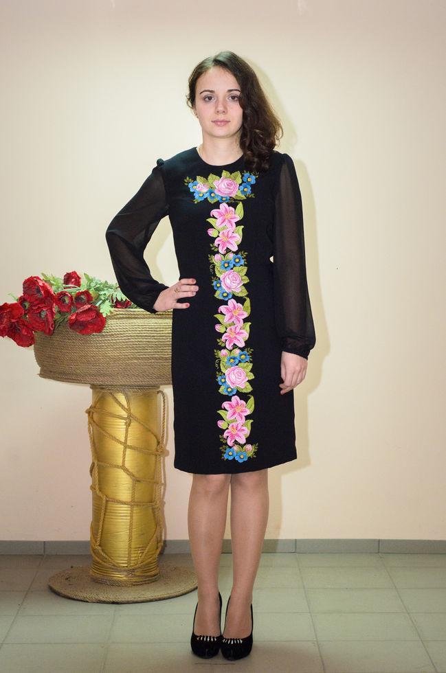 Женское платье Волинські візерунки вишитое 42 р. черное