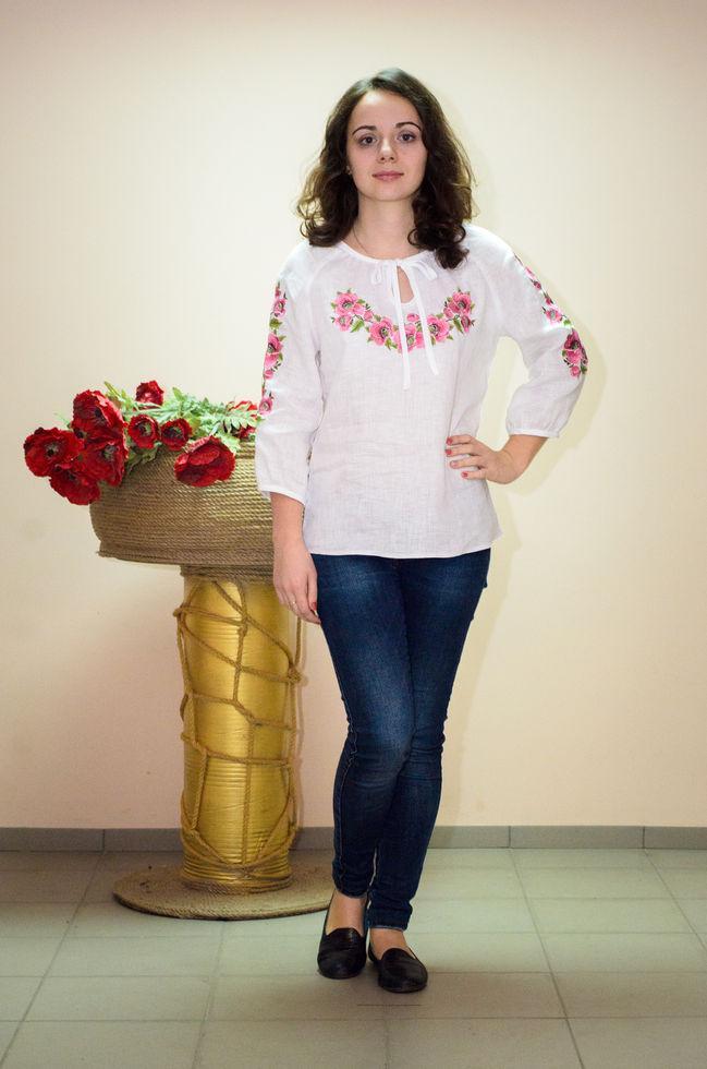 Жіноча вишита блузка Волинські візерунки з рукавом три чверті Дика мальва 46р. біла