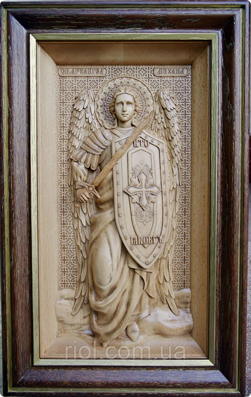Резная деревянная икона Архангела Михаила из бука
